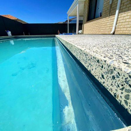 Honed Seamless Edge Pool